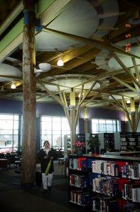 2005-05-03 la bibliothèque de Timmins... avant son ouverture officielle!