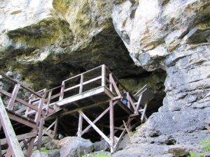 Plate-forme de la grotte