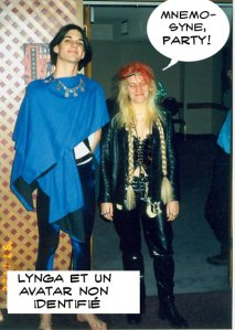 Lynga avec un artiste non identifié