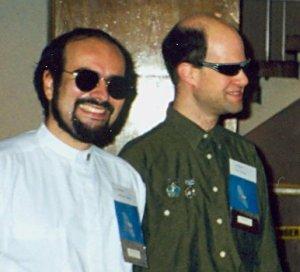 Les deux moitiés de McAllister, déguisés en officiers du Harfang lors du Boréal 1997