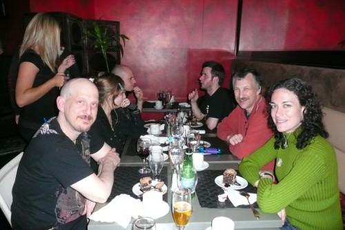 Une joyeuse table avec Thierry et Stephanie