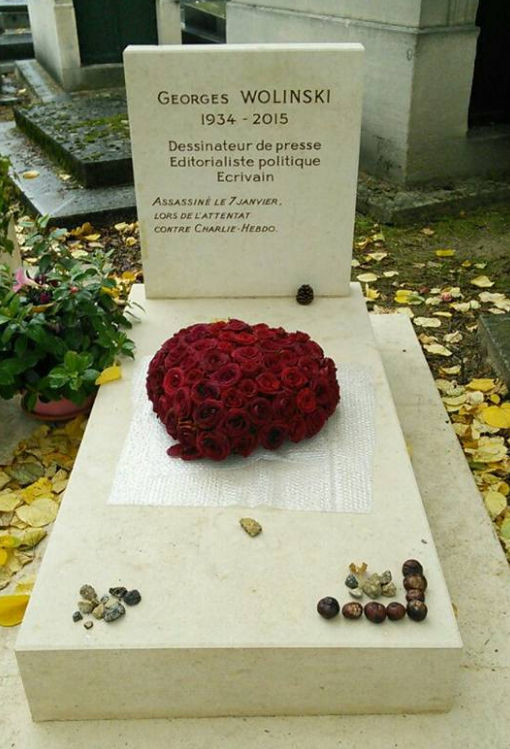Tombe de Wolinski, photographiée au cimetière Montparnasse en 2016